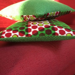 In green and red cushions